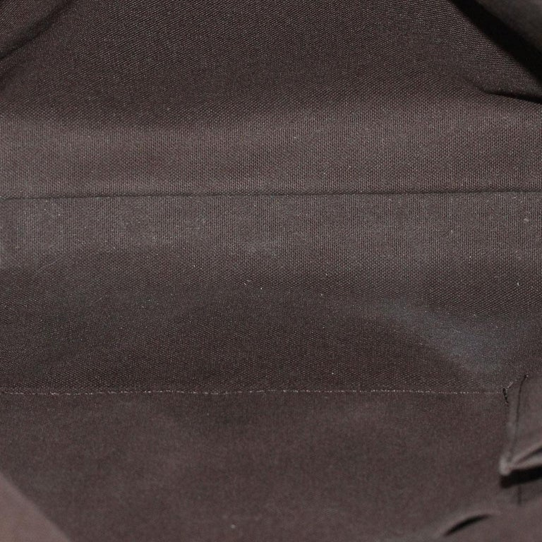 Louis Vuitton Damier Ebene MM Messenger Bag For Sale 3