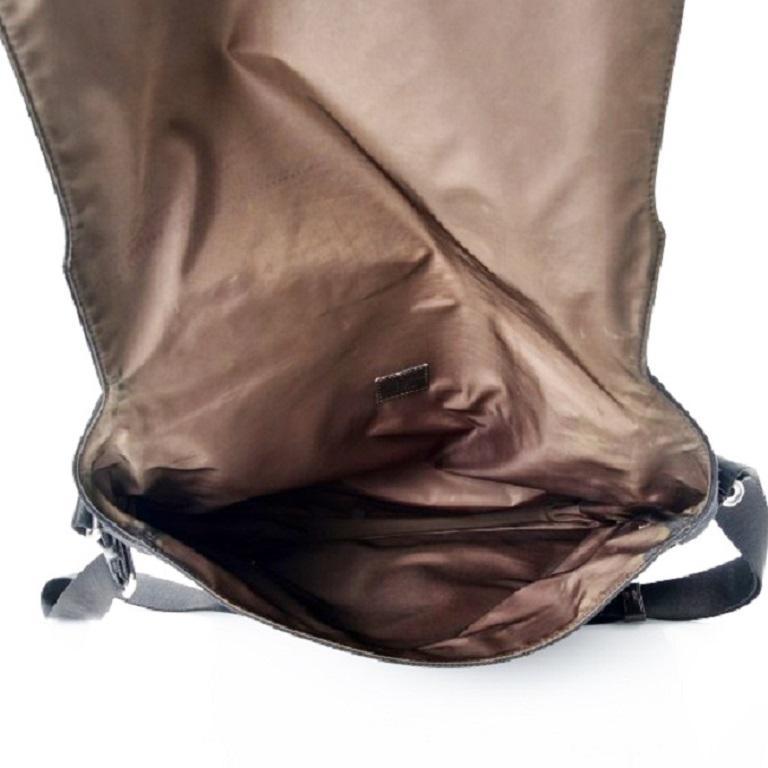 Women's or Men's LOUIS VUITTON Damier Geant Messenger Bag Black For Sale