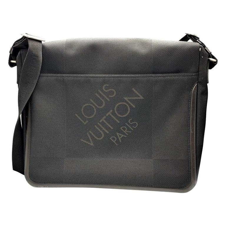 LOUIS VUITTON Damier Geant Messenger Bag Black For Sale