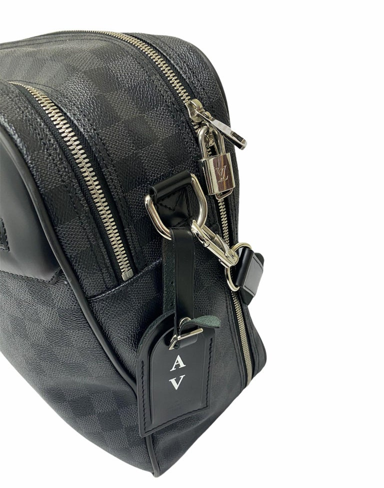 Louis Vuitton Damier Leather Shoulder Bag  In Excellent Condition For Sale In Torre Del Greco, IT