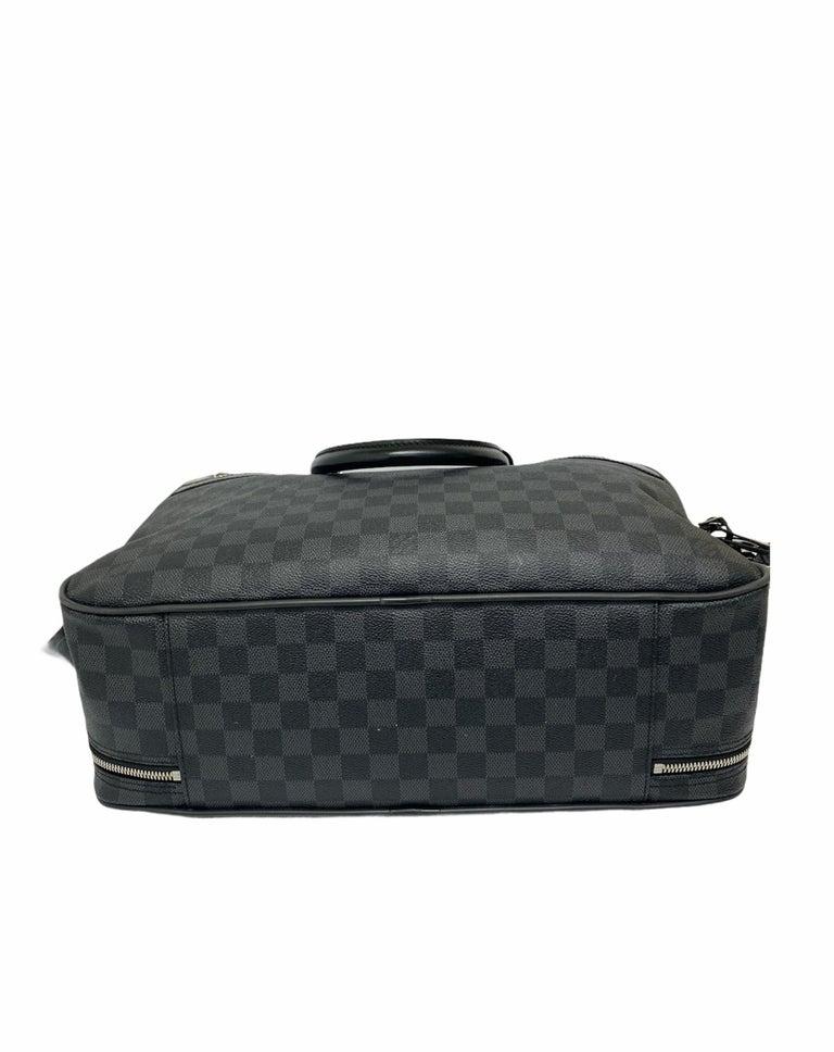 Louis Vuitton Damier Leather Shoulder Bag  For Sale 2