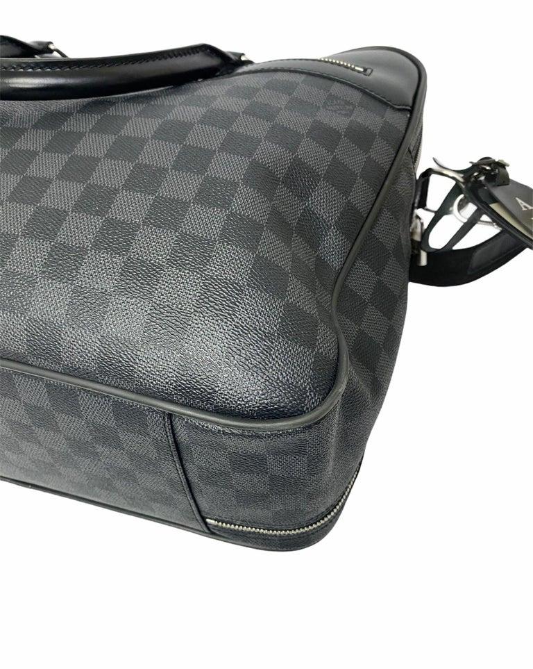 Louis Vuitton Damier Leather Shoulder Bag  For Sale 4