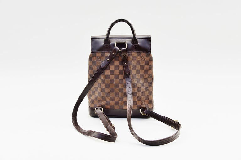 Women's or Men's Louis Vuitton Damier Soho Backpack For Sale
