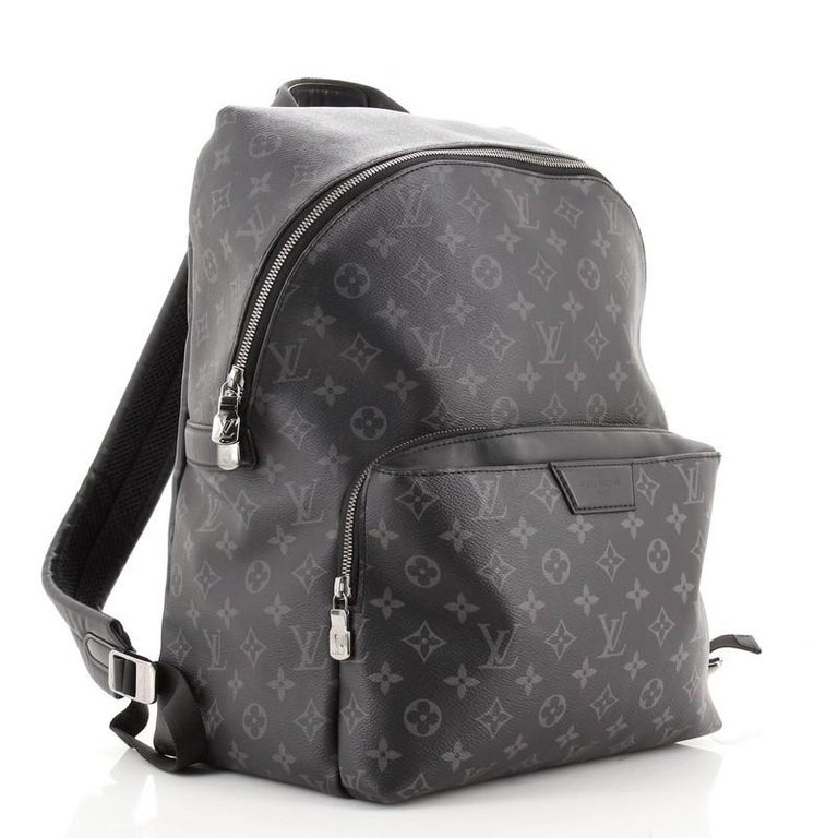 Louis Vuitton Discovery Backpack Monogram Eclipse Canvas PM In Good Condition For Sale In New York, NY