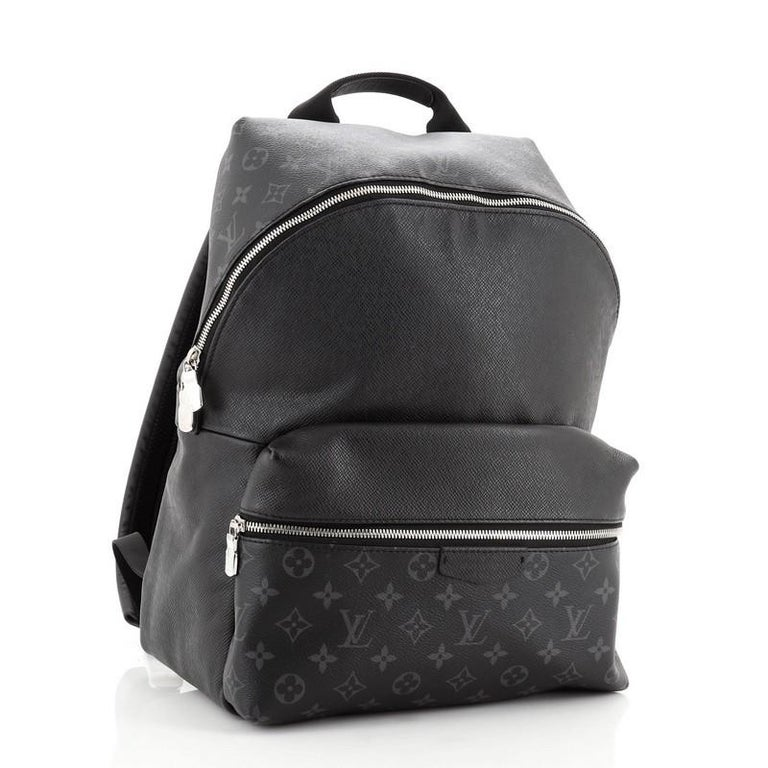 Louis Vuitton Discovery Backpack Monogram Taigarama PM In Good Condition For Sale In New York, NY