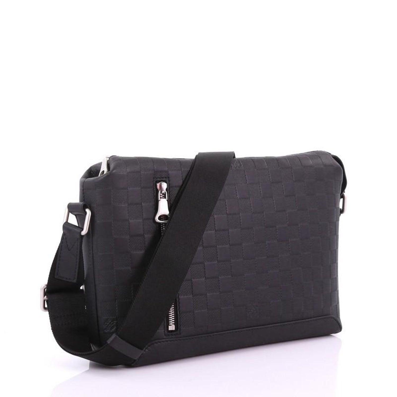 0b55e576cf Louis Vuitton Discovery Messenger Bag Damier Infini Leather PM