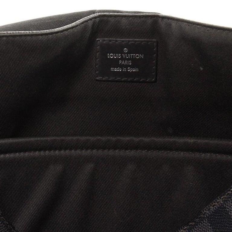 Louis Vuitton District NM Messenger Bag Damier Graphite GM 6