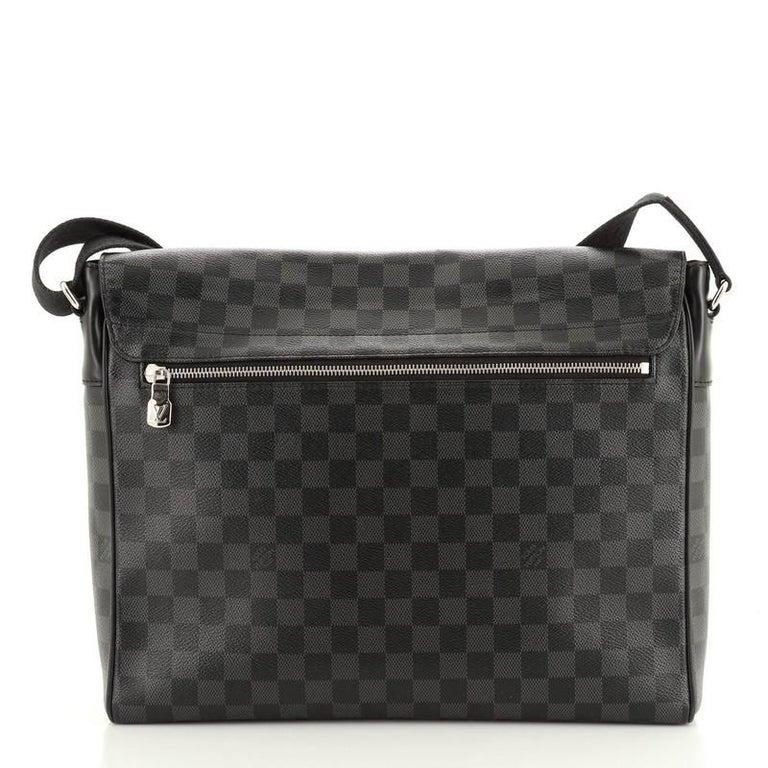 Black Louis Vuitton District NM Messenger Bag Damier Graphite GM