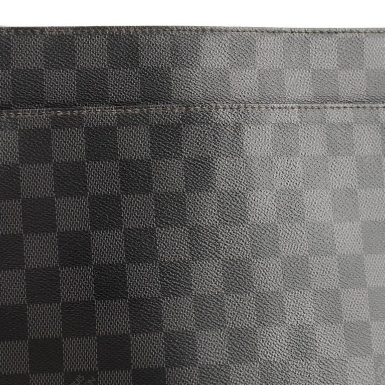 Louis Vuitton District NM Messenger Bag Damier Graphite GM 2
