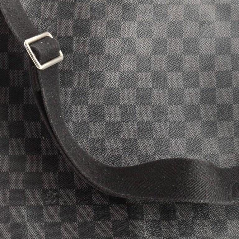 Louis Vuitton District NM Messenger Bag Damier Graphite GM 4
