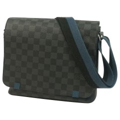 LOUIS VUITTON District PM Mens shoulder bag N42404