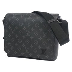 LOUIS VUITTON District PM NM Mens shoulder bag M44000