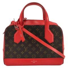 LOUIS VUITTON Dora Shoulder bag in Red Canvas