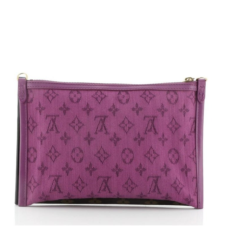 Louis Vuitton Double Flat Messenger Bag Limited Edition Logo Story Monogram In Good Condition For Sale In New York, NY