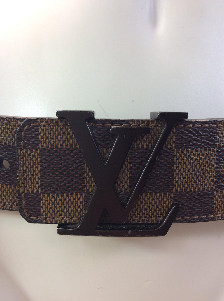 a79b40e6be64b Louis Vuitton Ebene Initialen Gürtel im Angebot bei 1stdibs