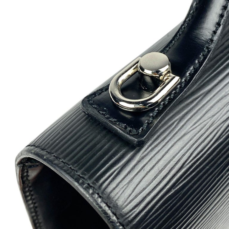 Louis Vuitton EPI Monceau 28 For Sale 8