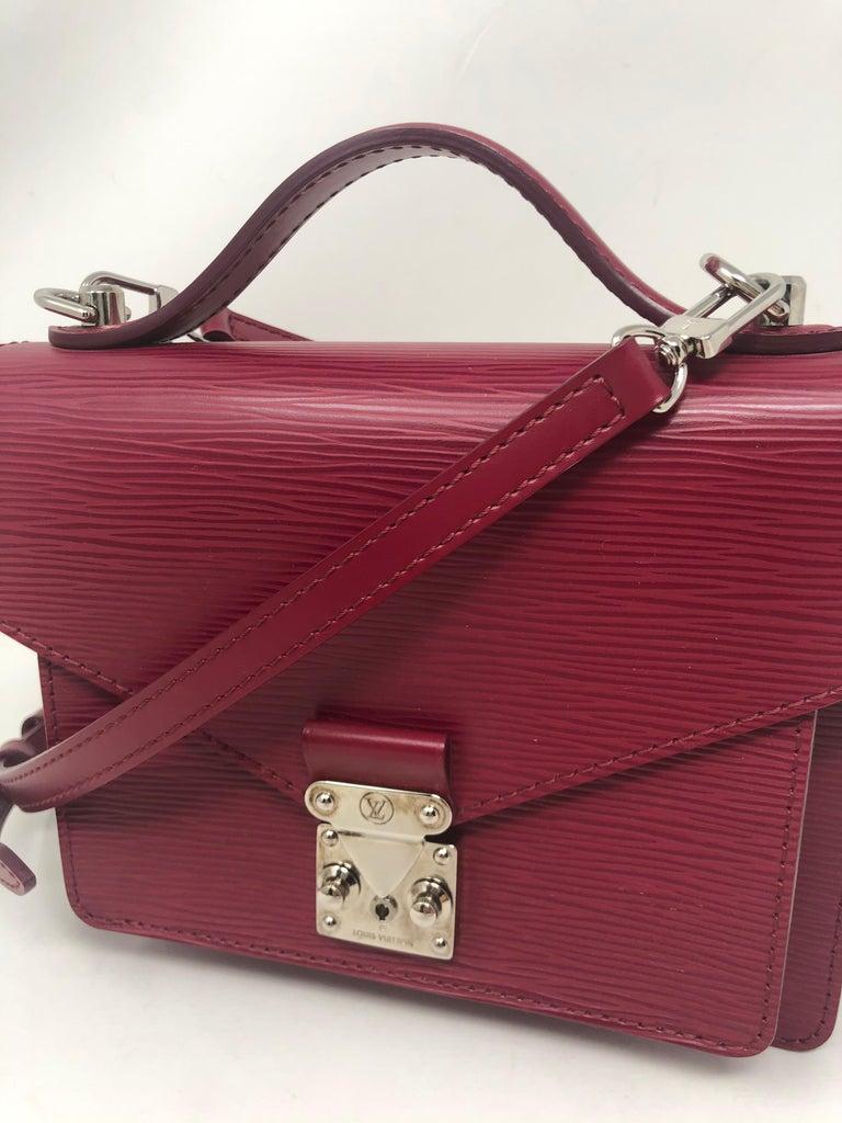 Louis Vuitton Epi Monceau BB Fushia Crossbody For Sale 7