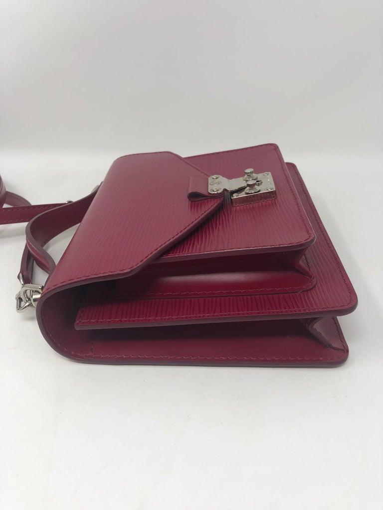 Louis Vuitton Epi Monceau BB Fushia Crossbody For Sale 10