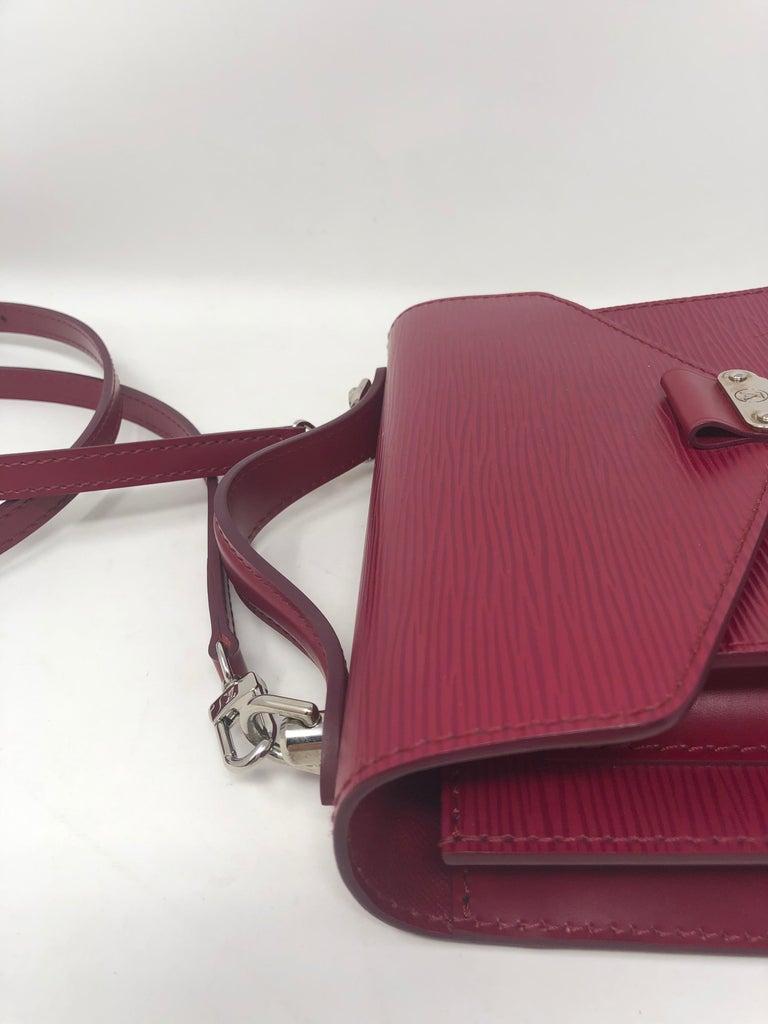 Louis Vuitton Epi Monceau BB Fushia Crossbody For Sale 11