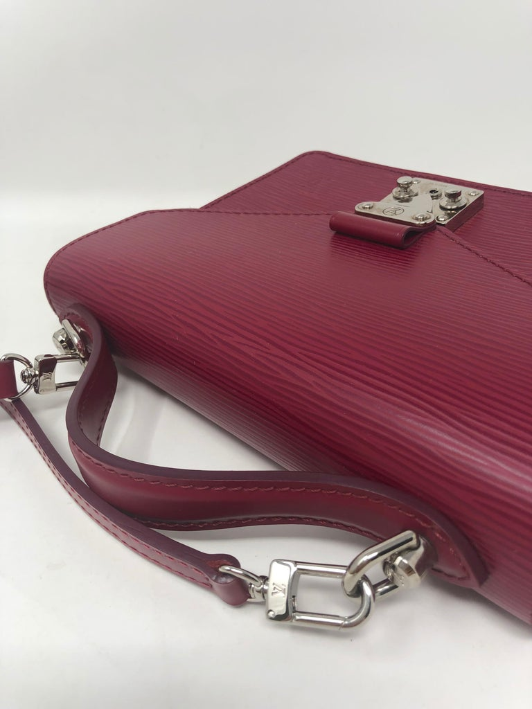 Louis Vuitton Epi Monceau BB Fushia Crossbody For Sale 12