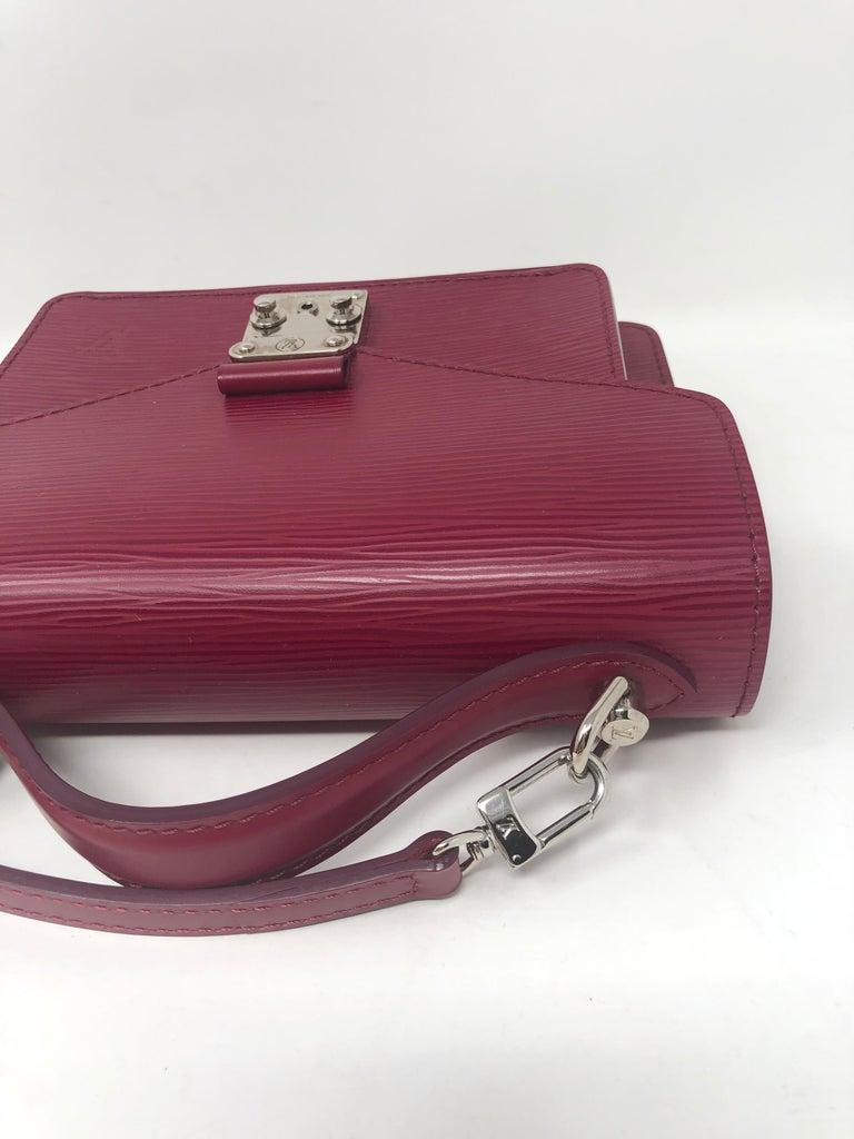 Louis Vuitton Epi Monceau BB Fushia Crossbody For Sale 14