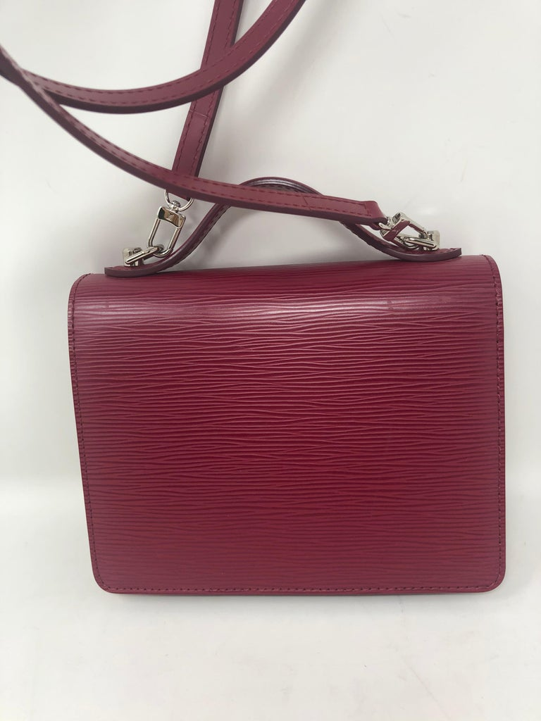 Louis Vuitton Epi Monceau BB Fushia Crossbody In Excellent Condition For Sale In Athens, GA