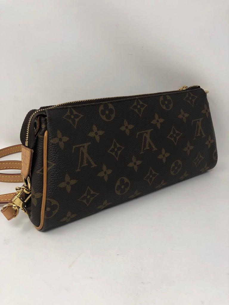 Louis Vuitton Eva Clutch  For Sale 3
