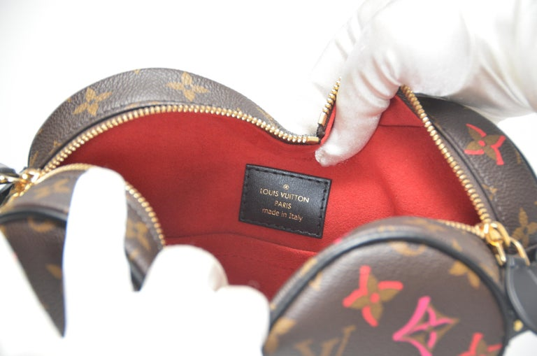 Black Louis Vuitton Fall In Love Coeur Monogram Heart Bag Limited Edition  NEW With Tg For Sale