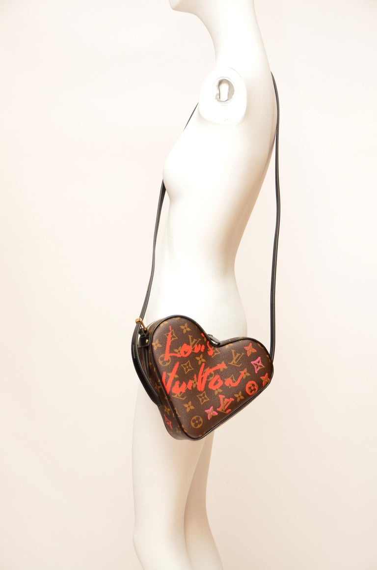 Louis Vuitton Fall In Love Coeur Monogram Heart Bag Limited Edition  NEW With Tg For Sale 2