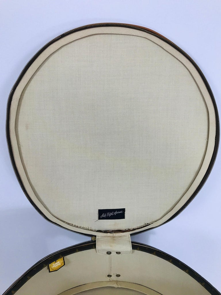 Louis Vuitton for The French Co. 50cm Boite Chapeaux Round Hat Box Rare  For Sale 11