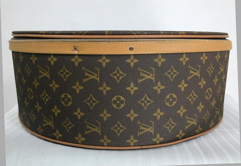 Louis Vuitton for The French Co. 50cm Boite Chapeaux Round Hat Box Rare  For Sale 1