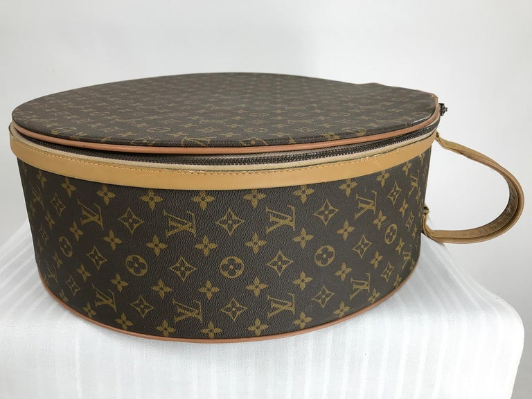 Louis Vuitton for The French Co. 50cm Boite Chapeaux Round Hat Box Rare  For Sale 2