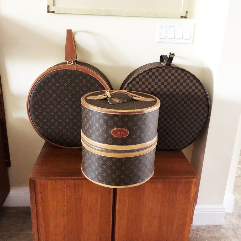 Louis Vuitton French Company Monogram Round Hat Box Wig Case Travel Bag 1970s For Sale 3