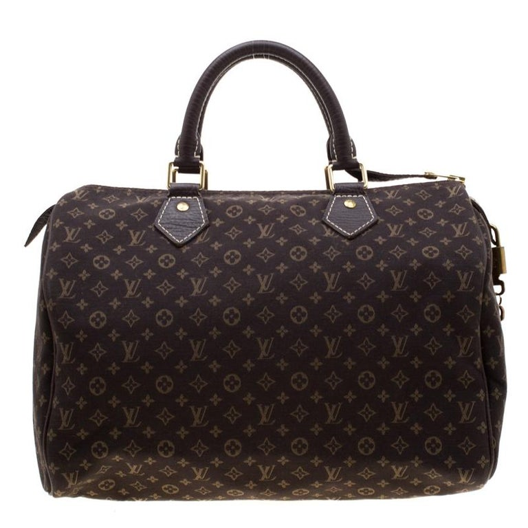 Titled as one of the greatest handbags in the history of luxury fashion, the Speedy from Louis Vuitton was first created for everyday use as a smaller version of their famous Keepall bag. This Speedy 30 comes crafted from monogram coated canvas with