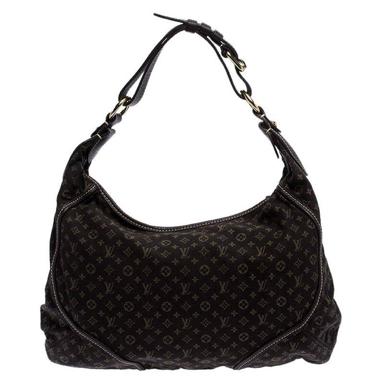 This Louis Vuitton bag will become your saviour when you wish to comfortably carry all your essentials with a whole lot of elegance. Made from Monogram Mini Lin canvas, this bag is held by a single handle, has a zip closure and a spacious