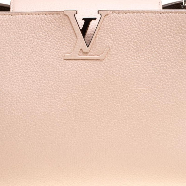 Women's Louis Vuitton Galet Taurillon Leather Capucines MM Bag For Sale