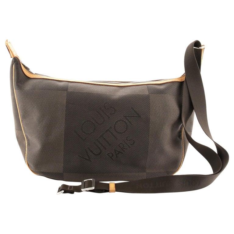 Louis Vuitton Geant Explorateur Shoulder Bag Geant Canvas For Sale