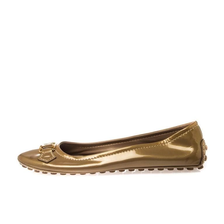 Women's Louis Vuitton Gold Patent Leather Oxford Ballet Flats Size 40.5 For Sale