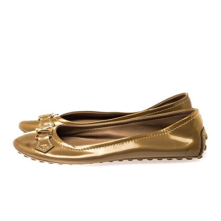Louis Vuitton Gold Patent Leather Oxford Ballet Flats Size 40.5 For Sale 1