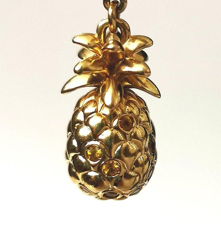 Louis Vuitton Gold Pineapple Pendant Charm In Excellent Condition For Sale In Geneva, CH