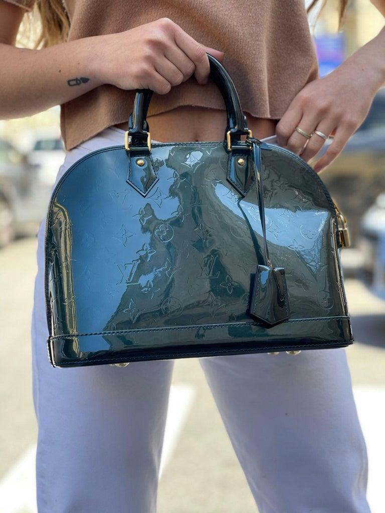 Louis Vuitton Green Vernice Alma MM Bag For Sale 6