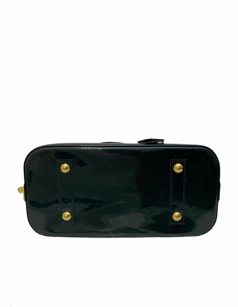 Women's Louis Vuitton Green Vernice Alma MM Bag For Sale
