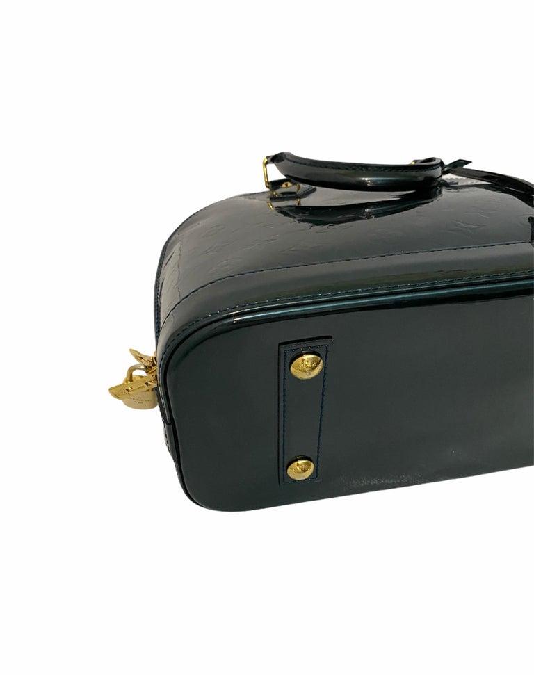 Louis Vuitton Green Vernice Alma MM Bag For Sale 4