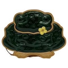 Louis Vuitton Green Vernice Conte De Fees Pochette Frog L.E.