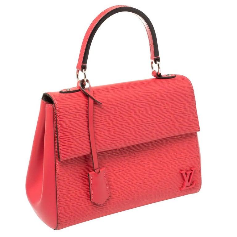 Louis Vuitton Grenade Epi Leather Cluny BB Bag In Good Condition For Sale In Dubai, Al Qouz 2