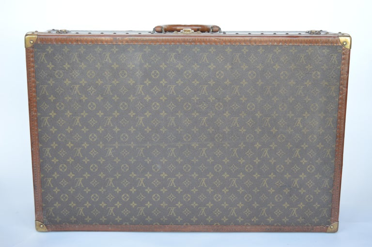 Louis Vuitton trunk stamped 983761.