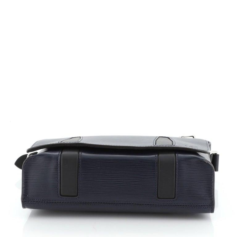 Louis Vuitton Harington Messenger Bag For Sale 1