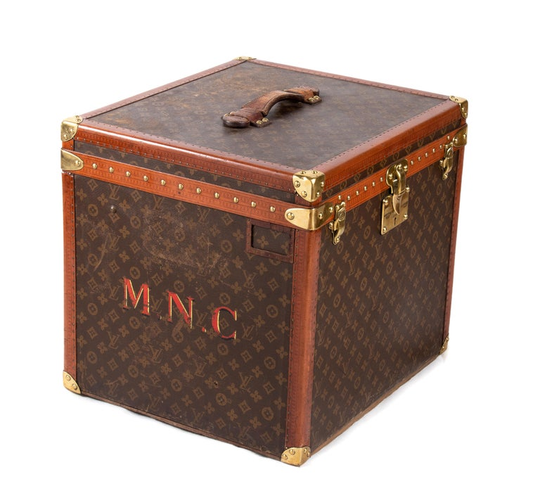 French Louis Vuitton Hatbox, 1930s-1940s For Sale