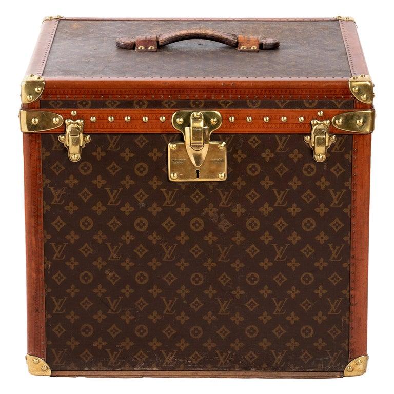 Louis Vuitton Hatbox, 1930s-1940s For Sale