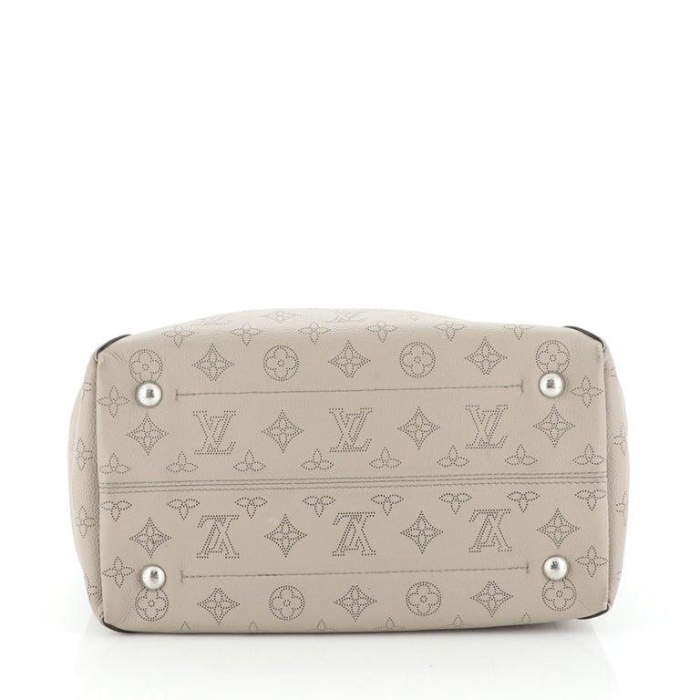 Louis Vuitton Hina Handbag Mahina Leather MM For Sale 1